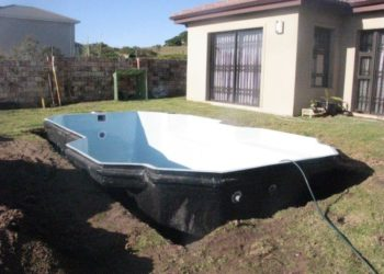 Sparrow Pools installation - Levelling